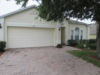 Legacy Park 4/3 Pool Home property, fully furnished, with full kitchen, and all linens and towels, Davenport