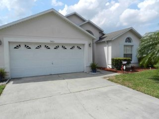 Classic Florida 4/2 pool home in Rolling Hills. So much charm and fun you may