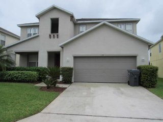 Legacy Park 5/5 Pool Home property, fully furnished, with full kitchen, and all linens and towels., Davenport