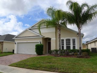 Vizcay 4/2 Pool Home property, fully furnished, with full kitchen, and all linens and towels,, Davenport