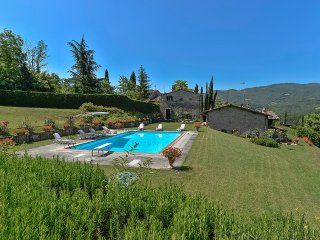 Casa Terrazza Vicchio - Medieval farmhouse in the hills of Tuscany