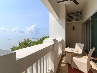 Home-Suites - Perfect Seaview,Straits Quay, Penang