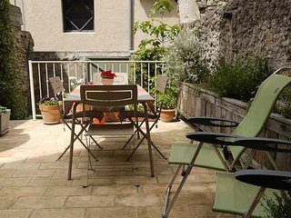 French apartment to rent in Pezenas, South France, sleeps 2