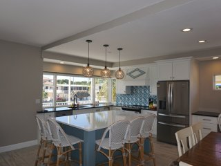 Gorgeous Ocean Side Home! Pool, Tiki Hut, 65' Dock, Ice Maker, Fishermans Dream