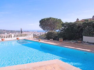 Villa T5 -Sainte Maxime - Piscine - Vue mer - Clim - Wifi - Proche Centre ville