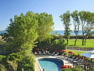 Cap d'Agde apartment for South France beach holiday with pool sleeps 4, Cap-d'Agde