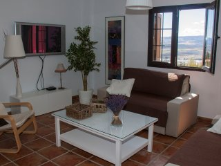 Stunning house with view,near Granada,swimming pool,Golf Green,table tennis,Mam