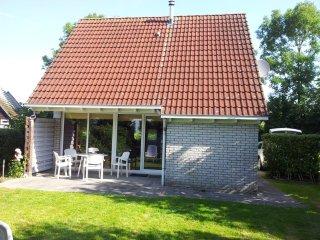 Haus in ruhiger Lage gegenüber dem Nordseedeich am Lauwersmeer, Lauwersoog