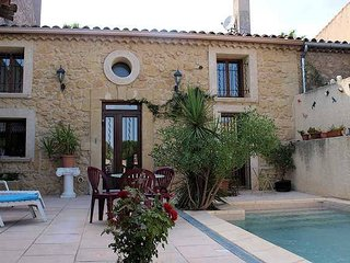 Holiday rental house in France with private pool near Pezenas, Nezignan l'Eveque