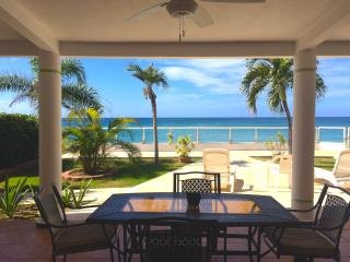 Casa Bonita Beachfront Vacation Home