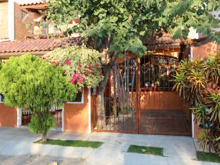 Vacation house for rent in Puerto Escondido; 2 bedrooms, pool, near beach.