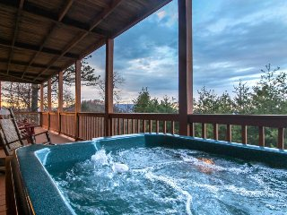 Private hot tub, game room, & more - close to Great Smoky Mtns National Park, Sevierville