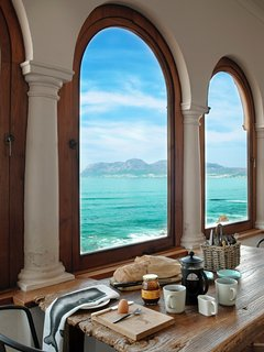 Magnificent 180 degree view across False Bay.