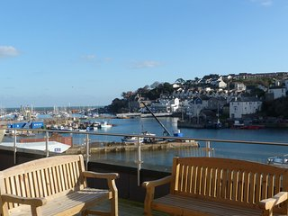 Spectacular Sea Views and with patio and parking included, Brixham