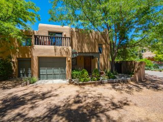 Two Casitas - Casa Lumiere - Perfect Santa Fe Home for your Vacation