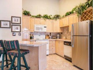 Liftside Condominiums 011 - Amazing location, spacious, walk to slopes, pool, Keystone