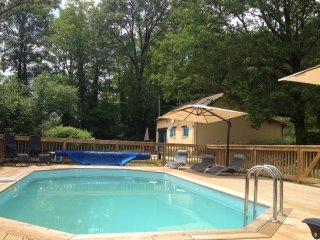 2 Bedroom Gite nr Sarlat & Montignac. Heated Pool., Sarlat-la-Caneda