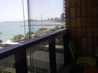 Apartamento com vista para o mar, proximo a feirinha da Beira Mar