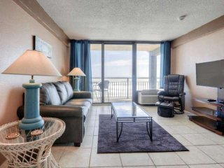 Direct Ocean-Front, 1-Bedroom Unit, Very Top Floor, South-End - Large Private, Daytona Beach Shores