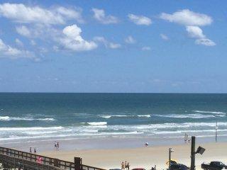 Beautiful 2 BR/2 BA Ocean View, Daytona Beach Shores