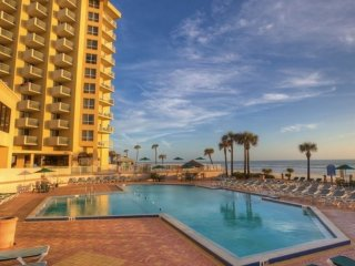 Bluegreen Daytona SeaBreeze Resort