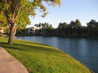 Condo at Lakeshore, Chandler