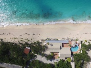 Les Trois Jours at Terres Basses, Saint Maarten - Beachfront, Pool, Perfect For