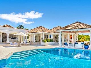 LA BELLA CASA... Large 9BR Luxury villa.