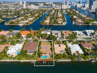 Resort Family Home on Intercoastal, Hallandale Beach