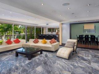 Modern Home on Intracoastal
