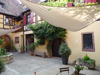 La Cour St Fulrad ; Gites et B & B de charme sur la Route des Vins d'Alsace