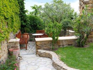 Maison de charme avec piscine privée et sécurisée, Grillon