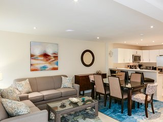 Dog-friendly, waterfront condo w/ shared pool, hot tub, and beach access