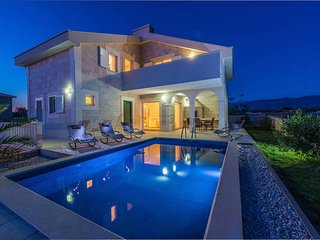 Villa Stani - luxury villa with pool