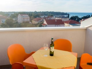 Sea view apartment for five, A6, Novalja
