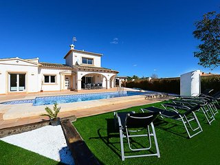 Villa Sara - Modern villa with private pool and air conditioner., Calpe