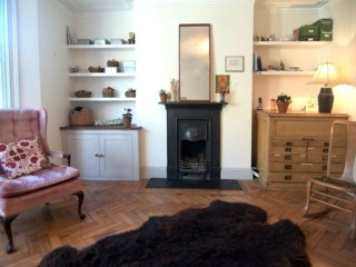 Bright, serene garden flat in the heart of Hackney / Dalston