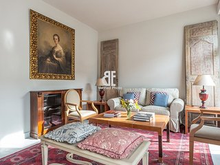 Be Apartment - Spectacular, spacious and bright luxury apartment with a classic