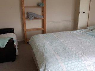 North Cardiff House to sleep 9