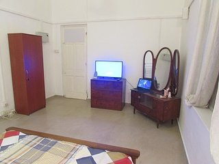 1 Bed Ground Floor Flat Colombo 5