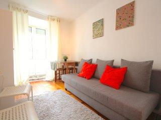 Grey Mustard Apartment, Bairro Alto, Lisbon