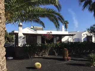 5 mins Walk Centre & Beach 12m Pool Tennis Private Detached Villa Playa Blanca