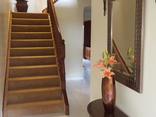 2 Bedroom Townhouse, Paradise Island, Bahamas - Walk To Atlantis & Cabbage Beach