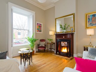 Beautiful Dublin City Centre 2 bedroom Victorian house on 3 levels with characte