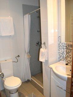 La Dolce Vita Apartment. I. Kotor. Montenegro. Old Town. Washroom