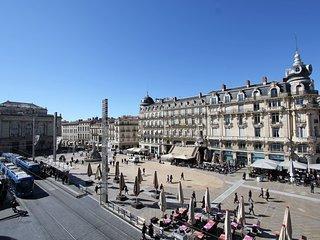 F4 sur la COMEDIE, hyper centre de Montpellier, 'Chez Manou'