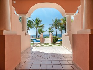 Riviera Maya Haciendas - Studio Steps From Beach, WIFI, A/C, 2 SWIMMING POOL