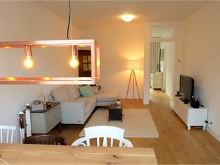 Luxury apartment w/ canal view, center., Amsterdã