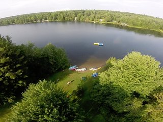 Lakefront Summer Vacation Cottages