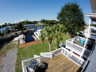 Water Front Villa with Dock and Fishing Sleeping 16+ Guest, Orange Beach